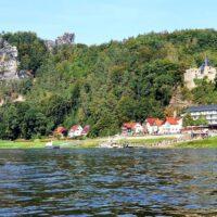 Kajakreise - Elbe Sächsische Schweiz - Blick auf Rathen - outdoorVAGABUNDEN